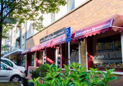 restaurant-caracalla-aussenansicht-gruen
